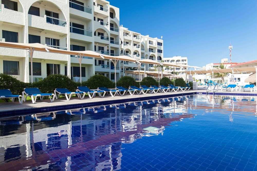 Aquamarina Beach Resort Hotel Cancun